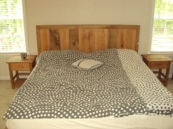 King oak bed