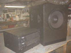 "15"" inch subwoofer and amp box"