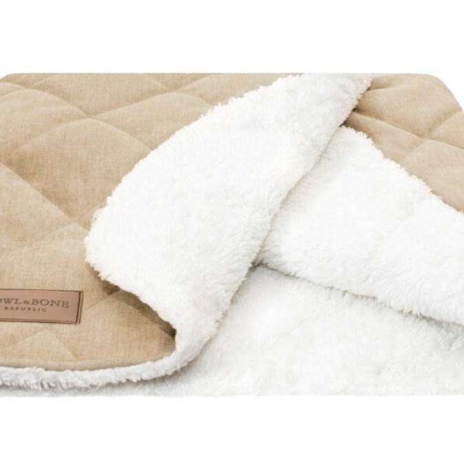 Dreamy Cream Dog Sleeping Bag