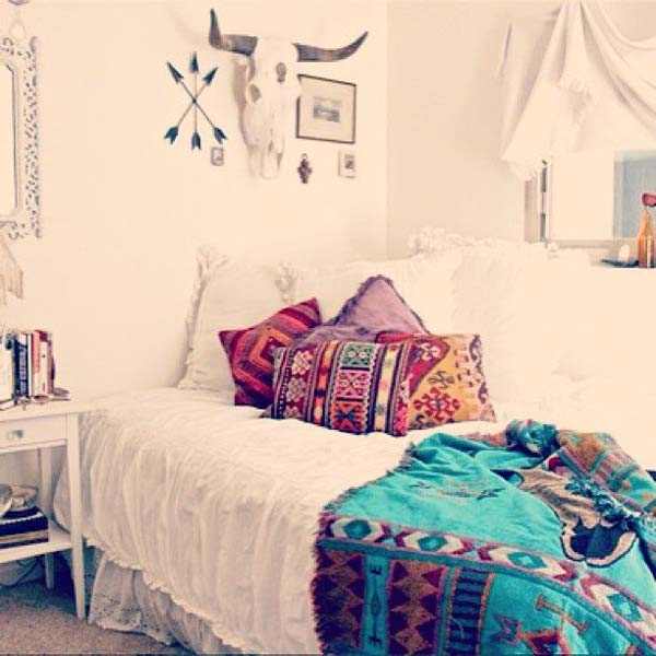 35 Charming Bohochic Bedroom Decorating Ideas  Amazing