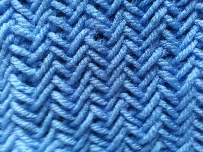 Knitting Herringbone stitch cowl (2)