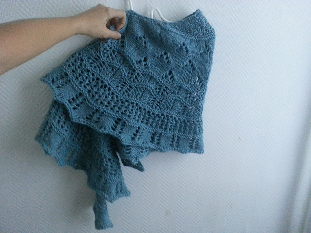 tricot willamette shawl