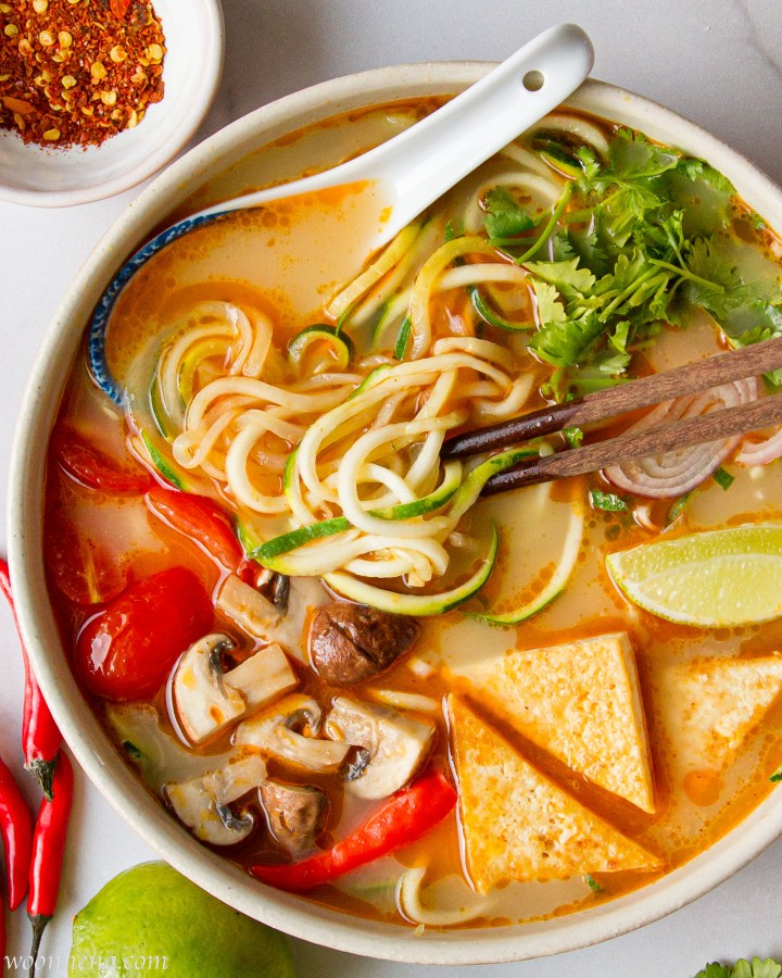 tom-yum-zoodles-soup