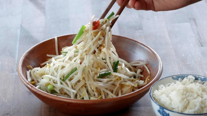 mung-bean-sprouts-stir-fry