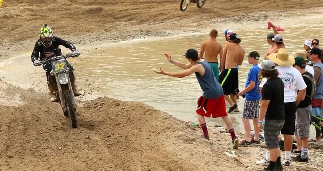 2015-04-robby-bell-water-worcs-racing