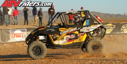2013-02-josh-frederick-can-am-maverick-1000-sxs-utv-crowd-dwt