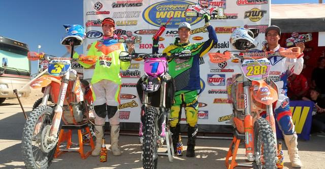 2014-09-pro-worcs-racing-podium