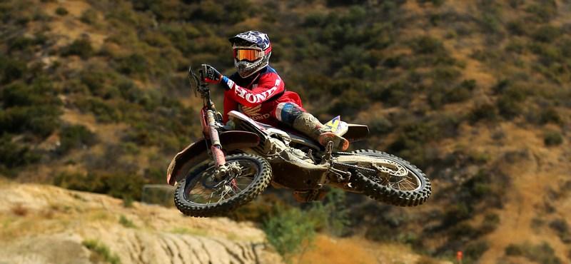 09-travis-damon-pro-bike-worcs-racing
