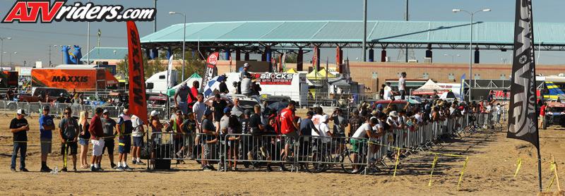 2017-11-crowd-sxs-worcs-racing