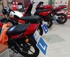 motocykle w garażu WORD
