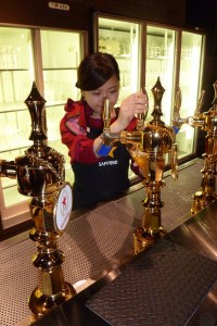Pouring beer Japanese style