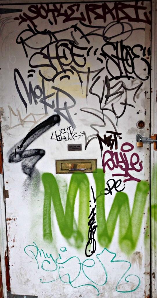 graffitidoor