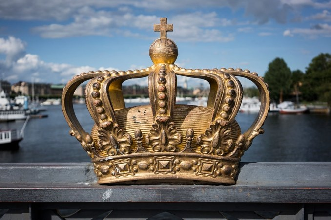 Royal Family Last Names Globally Recognized with Regality