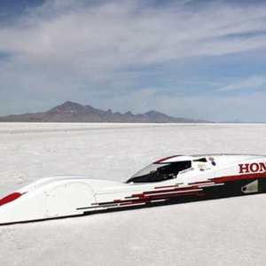 This three-cylinder Honda sets new record of 261.875 mph
