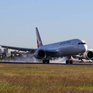 Record-breaking New York to Sydney - Non-stop