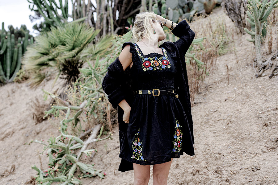 Embroidered-Dress-Blogger-Street-Style