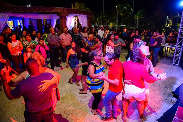 Salsa-e-Merengue-em-Aruba_Credito-ATA