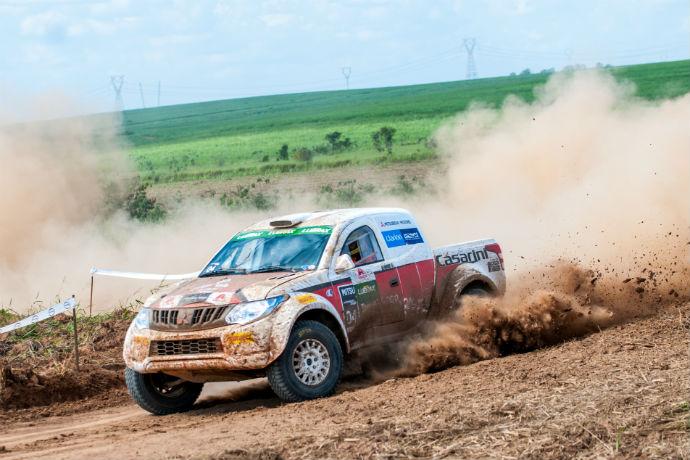 Velocidade no Mitsubishi em Votuporanga
