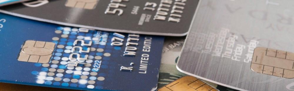 借記卡vs.信用卡 在臺灣和海外使用的費用和風險 - Skyscanner臺灣