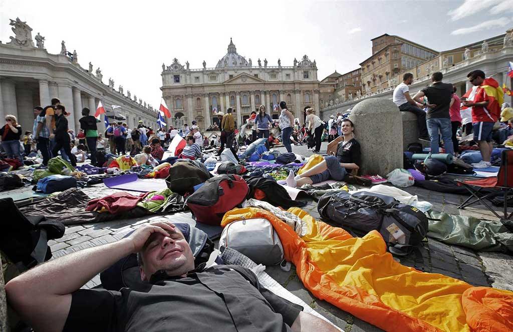 ss-140426-vatican-pilgrims-mn-01.nbcnews-ux-1024-663
