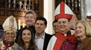 Cutié officiellement dans l'église Épiscopale le 29 mai 2010 par Leo Frade