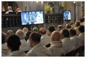 """L' """"Eucharistie"""" conciliaire est un spectacle qu'il « faut voir » comme on voit un match de foot à la télévision"""