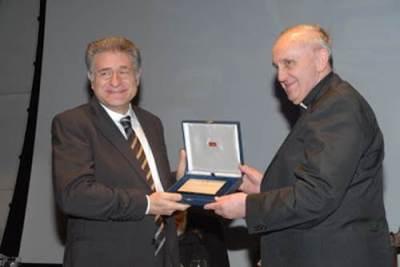 Le rabbin Skorka est fait docteur honoris causa de l'Universidas Catolica Argentina