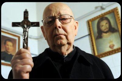 Le père Gabriele Amorth, exorciste du diocèse de Rome.