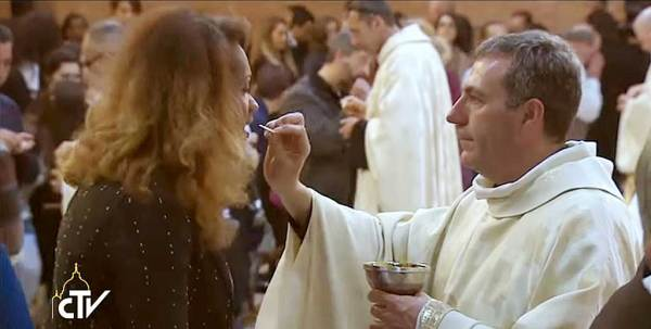 """La """"communion"""" d'un transsexuel"""
