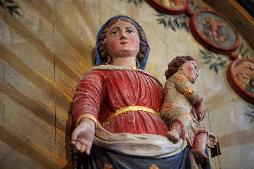 Statue de la Très Sainte Vierge Marie de l'église de Laz (Finistère) – <abbr data-recalc-dims=