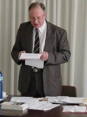 Michael Treharne Davies (13 Mars 1936 – 25 Septembre 2004)