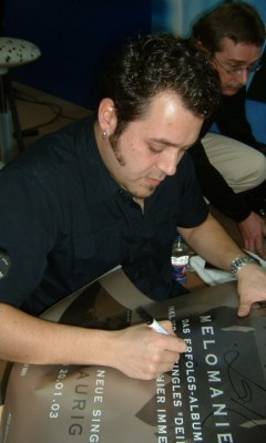 signing session in Mannheim (SATURN), April, 1st 2003