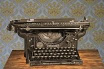 typewriter-875310_1920
