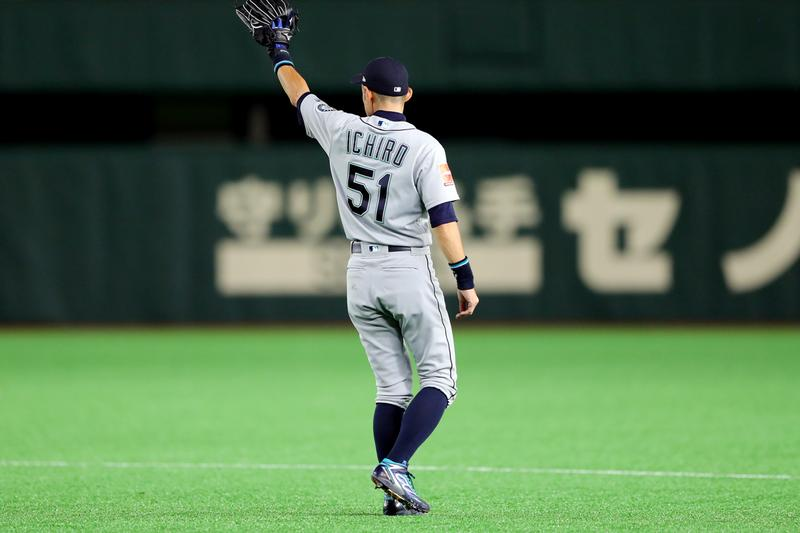 Ichiro Suzuki takes the field in his last game.