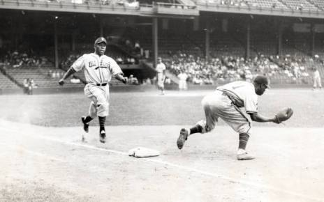 Henry Kimbro legging out a grounder for the Baltimore Elite Giants.