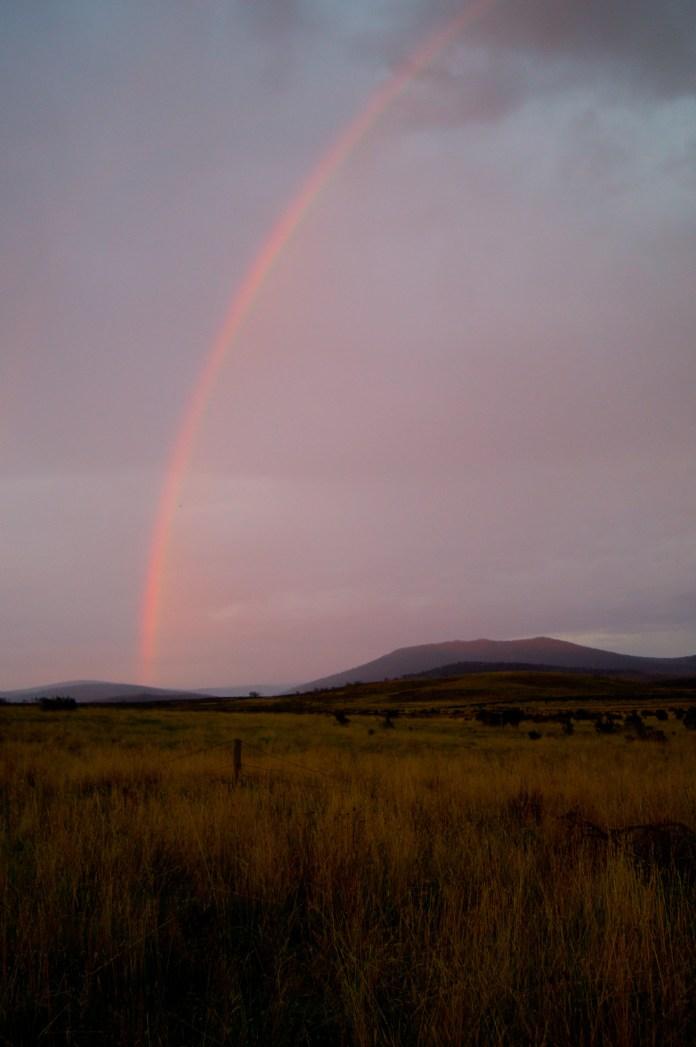 Dawn rainbow, Currango