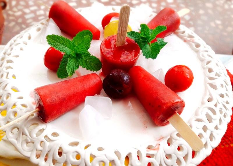 Homemade Plum Popsicles Recipe