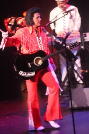 Elvis16