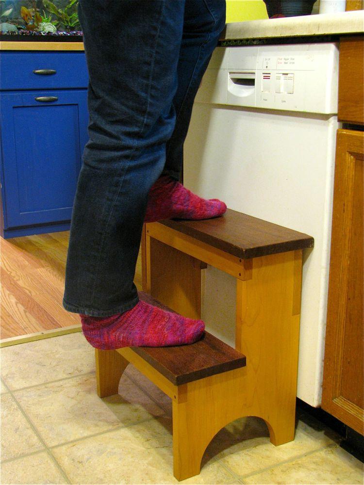 Shaker Step Stool