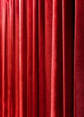 Red curtain50x70 cm20x28 in50'00 Eur.