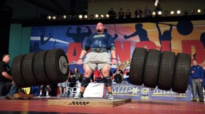 The most Brian Saw ever deadlifted was 520 kg. This is at most 3 times his body weight.
