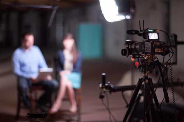 Edição de vídeos de marketing filmagem profissional
