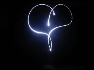 Heart_light_blackground_518497_h