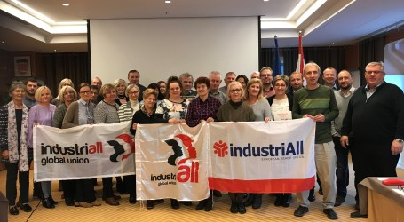 Austrian, Croatian and Slovenian textile unions cooperate on organizing