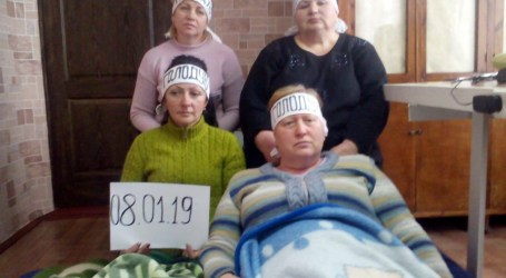 Desperate mine workers resort to hunger strike in Ukraine