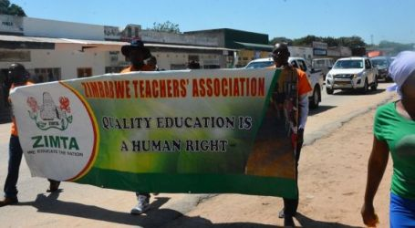 teachers strike over pay as currency crisis deepens