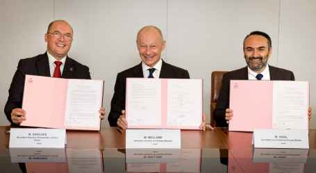 IndustriALL signs quality of working life agreement with Renault