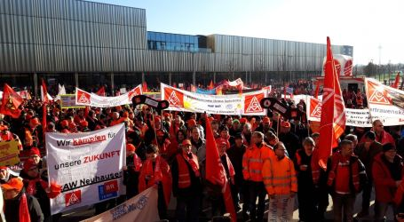 Workers demand job guarantees and clear strategy from thyssenkrupp