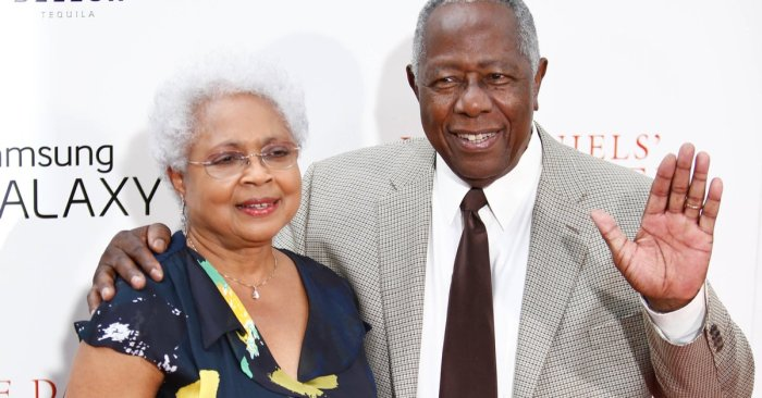 Obama remembers baseball legend Hank Aaron as 'one of the strongest people I've ever met'