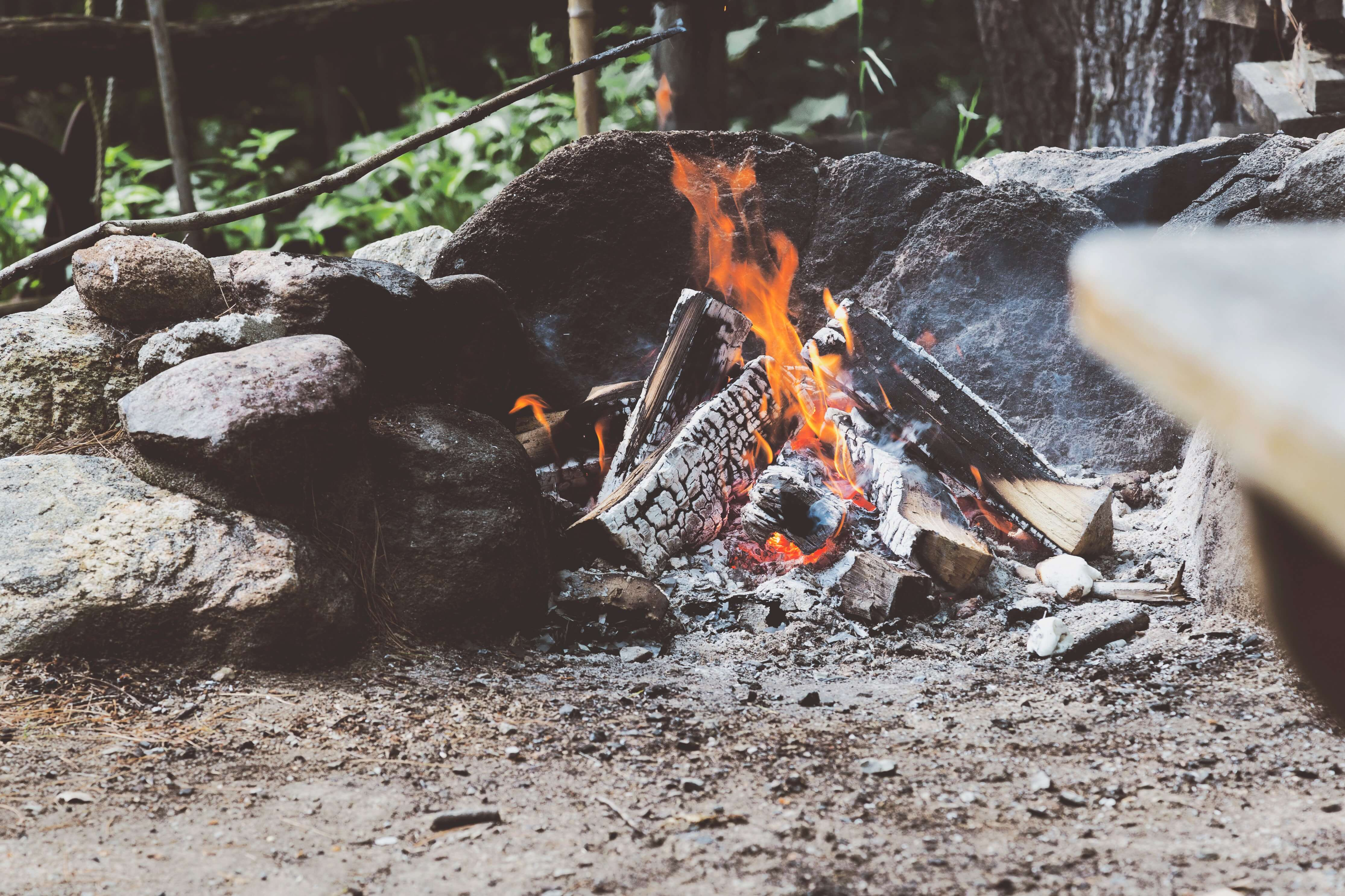 Winter Is Coming: 5 DIY Backyard Fireplaces That Won't Cost You A Fortune